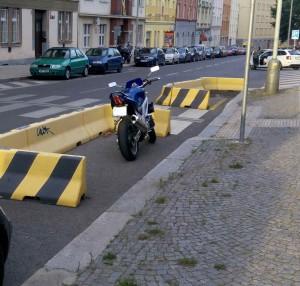 """soutěžní obrázek č.1 """"Vyhrazené"""" parkovací stání zdarma, uživatel neznámý, Praha"""